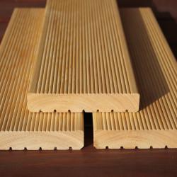 A-Sortierung / Terrassendiele 27x142mm geriffelt / genutet Sibirische Lärche